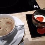 45873105 - コーヒーとデザート