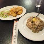 廣華楼 - イカの天ぷらと半チャーハン
