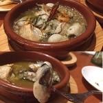 トレス スペインバル - 牡蠣あひあひあひー