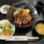 みけ家 - 淡路牛ロースステーキ丼2300円