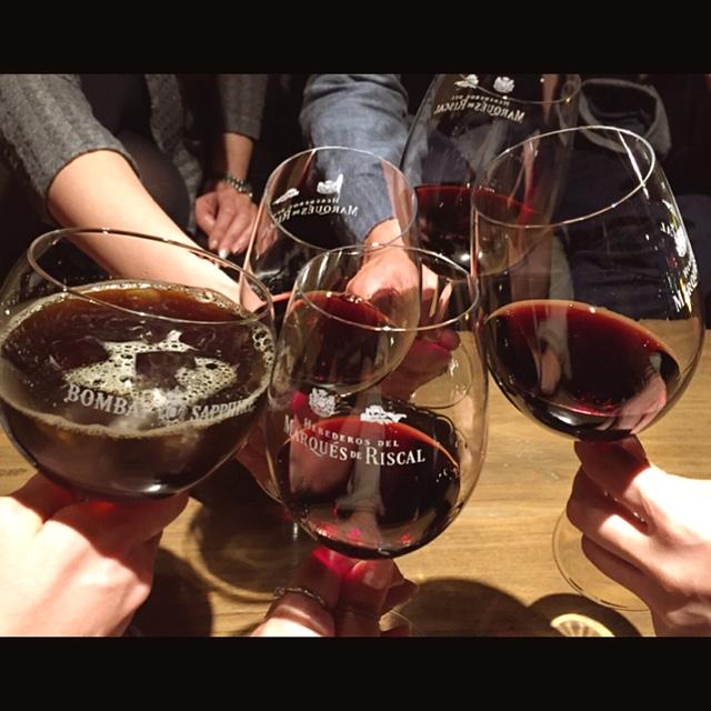 クアトロ ワイン バー