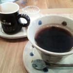 プー ア プー - ランチライムのコーヒーは+150円