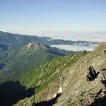 岳沢小屋 - 奥穂山頂から前穂高岳方面