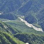岳沢小屋 - 前穂山頂から見下ろす「横尾」