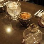 コーヒーハウス葡萄畑 - クリームセットです。