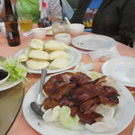 Won Kee Seafood Restaurant - 料理写真:高級中華には欠かせない北京ダックの登場です、中華パンにはさみ甘辛いタレで食べるとお酒が進む進む。
