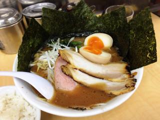 ぎょうてん屋 GOLD 東名厚木店 - 特製ラーメン900円