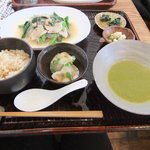 4589914 - 休日ランチ(豚肉とツルムラサキ、春雨 干しエビの炒め煮)1200円