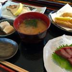 めしや 大磯港 - サワラ塩焼き定食@1400円  ふわっふわで美味かった!