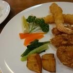 洋食 ふじい - エビフライとカキフライ