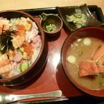 能登前寿司 もりもり寿し - ばらちらし丼(税別1,080円)