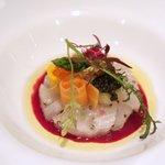 クーカーニョ - 前菜:蟹のシェルロット仕立て、フヌイユとサフランのエチュベ、キャビア
