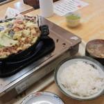 まるはち食堂 - けいちゃん定食(1,050円)