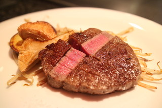 鉄板DINING集 栄店 - 黒毛和牛ステーキ・フィレ