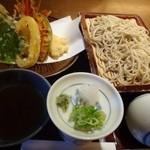 手打ちそばやぶ金 - 天せいろ(1750円)・・天ぷらを頂きたかったので、こちらを選びました。