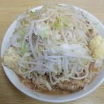 ラーメン二郎 - ラーメン+ヤサイチョイ増しニンニク増し増し