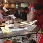 立喰 さくら寿司 - 内観