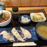 ぶり屋 - 料理写真:ハーフ&ハーフセット864円