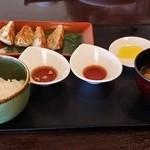 45910062 - えびタコ焼き餃子定食