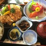 喰処 さか本 - さしみA定食(チキンカツ・さしみ)¥1480♪