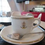 ジェイエムエスディーエフ カフェ - カップに注目