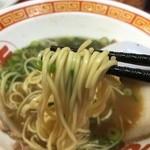 もっこす - 中華そば(780円)麺リフト