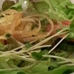 焼肉 まる - ミックスサラダ。