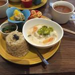 楽ロビkitchen - 今まで食べたことがないお味、身体も喜んでる‼︎玄米ももちもちして美味しかった〜。重ね煮のトマトスープ絶品です♪