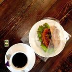 ネモ・ベーカリー&カフェ - 料理写真:チャバッタサンド&ブレンドコーヒー