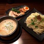 麺家 半蔵 - 伊勢海老つけ麺全部のせ 大盛