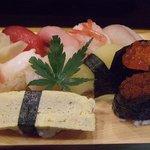 4592837 - 鮨ランチのお寿司はちょっと小さめです
