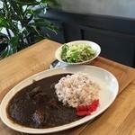 RICHE - 熊野牛すね肉カレー