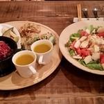 45925082 - 前菜とサラダ