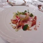 オマール海老と海の幸のお祝いサラダ仕立て、バルサミコ風味のヴィネグレットソース