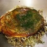 45935098 - デフォの肉玉そば 780円