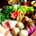 巌廻 - 大山鶏の鶏ガラがしっかり出ているお鍋