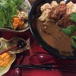 45936067 - (2015.12)薬膳カレー 車麩角煮入り(サラダ付) 珈琲とデザートセット 1,700円