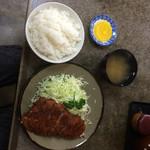 かつ善 - ロースかつ定食800円(昼)