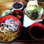 和利の家 - 二色麺 天ぷらセット