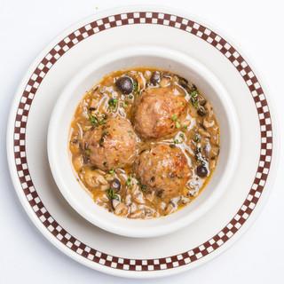 特製ミートボールは「お肉×ソース×食べ方」の選べるスタイル