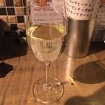 ワインとビストロ ミナミ酒場 - ソーヴィニョンブラン