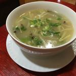 華龍飯店 - 野菜スープ