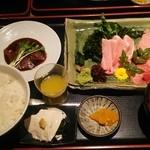 まぐろ食堂まりん - 本鮪のお造り定食 1980円