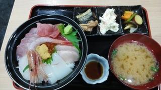 群青 - 「特上 海鮮丼定食」1300円