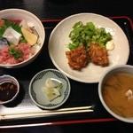 わがまま海鮮丼と滋賀のうまい地酒 魚酔 - 料理写真:本気の海鮮丼とちょこっとから揚げ 1,000円