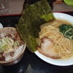 濱辰家 - Cランチ(ラーメン+チャーシュー丼)(税込み880円)