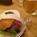 Bougnat Bougnat - 主人はビールと一緒に(^_−)−☆