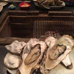 囲炉裏料理と日本酒スローフード 方舟 - 牡蠣!
