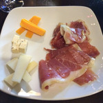 新宿ワインキッチン - 生ハムとチーズ