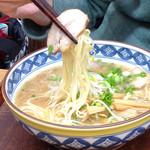 中華そば きくま - 麺とチャーシューのリフト